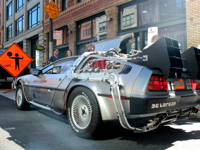 "England goes ""Back to the Future"" for business services online"